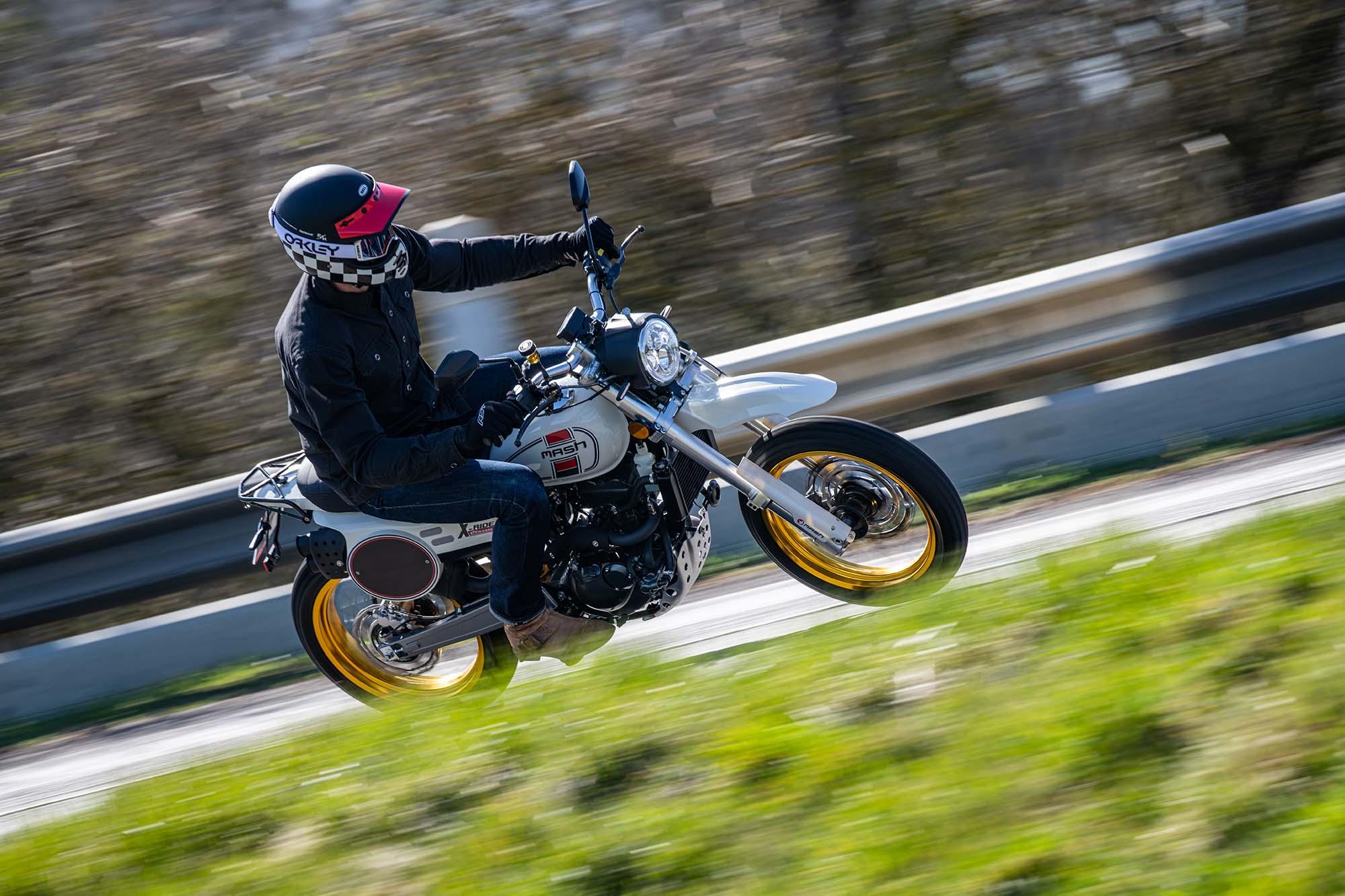 Mash X-Ride 125