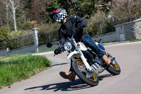 X Ride 125 Virage